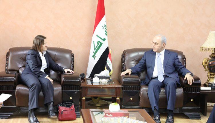 الجميلي يبحث مع سفيرة استراليا اجراءات انضمام العراق إلى منظمة التجارة العالمية